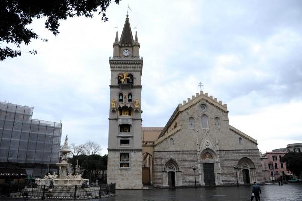 Piazza Duomo: Sos guide turistiche abusive