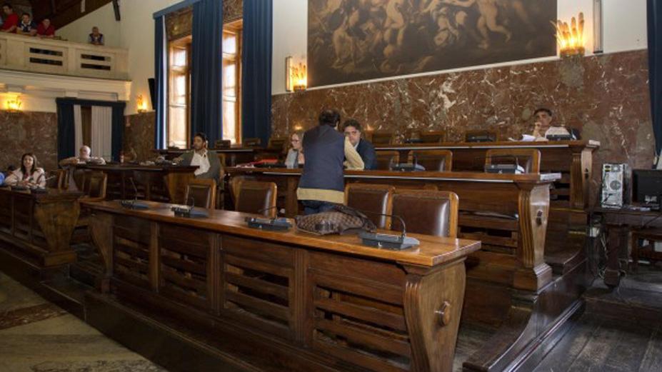 MessinaServizi, Le Donne respinge emendamenti. Mano forzata, voto si ferma a 14