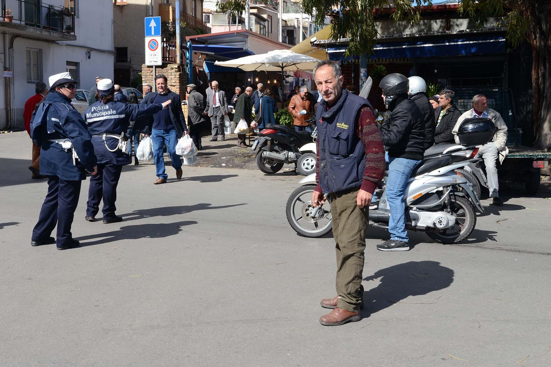 Rifiuti ingombranti e speciali, Ialacqua lancia Sos a carabinieri