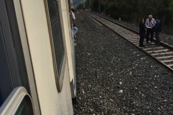 Travolta ragazza sui binari ferrovie