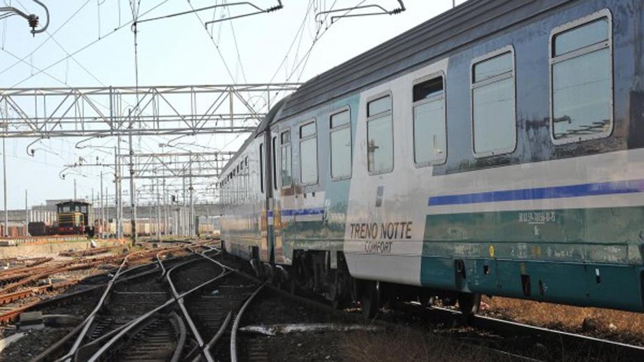 Vento forte: fermi i treni sulla Messina-Palermo