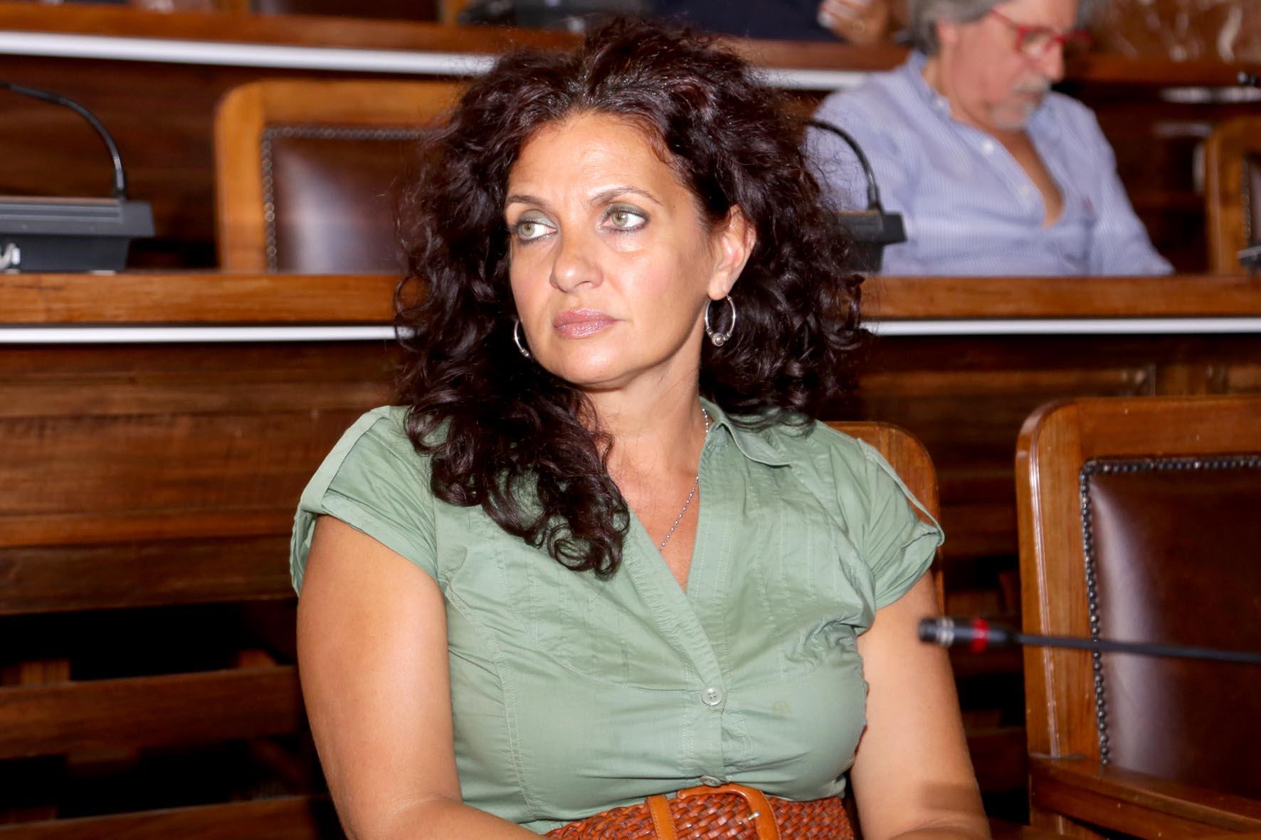 Saitta presenta il quinto assessore: a sorpresa ecco Lucy Fenech - Messina  Oggi