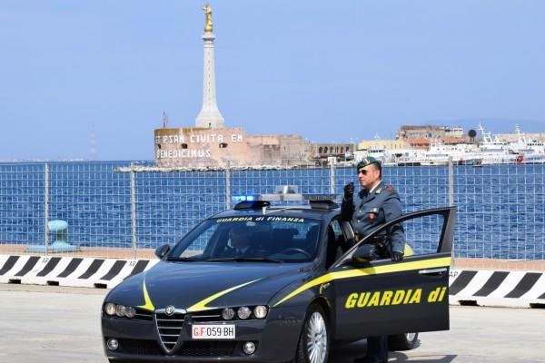 Droga e sigarette, arrestato messinese agli imbarcaderi di Villa S. Giovanni