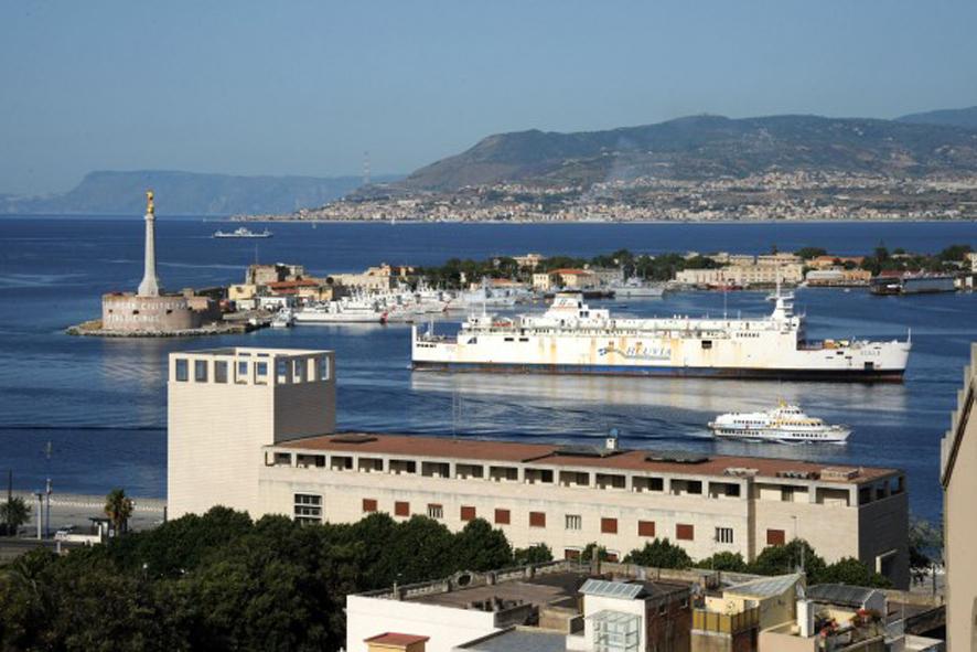 Trasporti sullo Stretto: servizi veloci garantiti da Blueferries