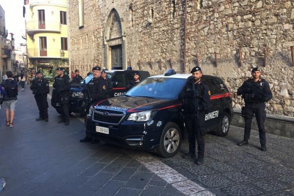 Evade dai domiciliari, i carabinieri lo arrestano