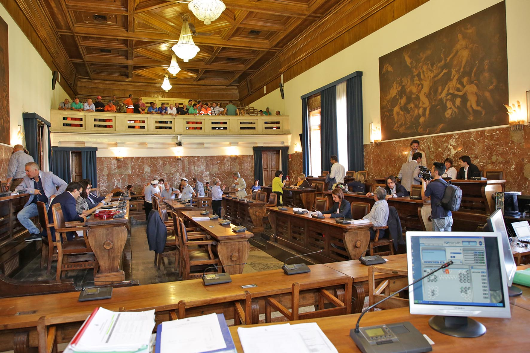 Il Consiglio dice sì al Consuntivo 2016, ma che fatica