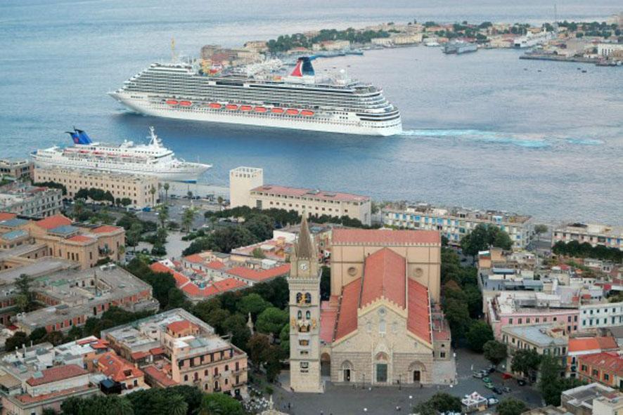 """Turismo, """"Tutti insieme appassionatamente"""": Caruso chiama a raccolta gli attori principali"""
