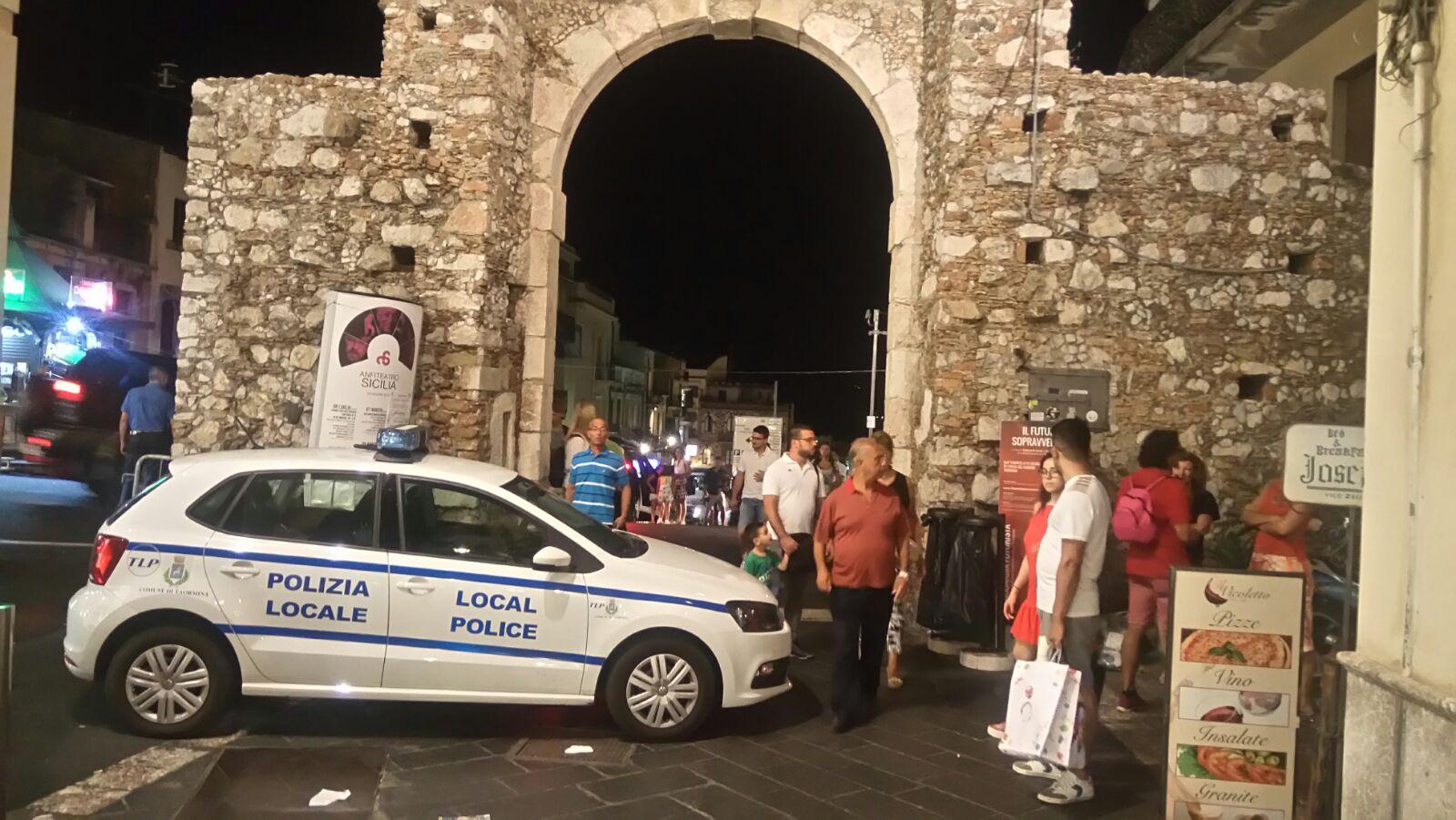 Taormina: controlli e denunce della Polizia locale