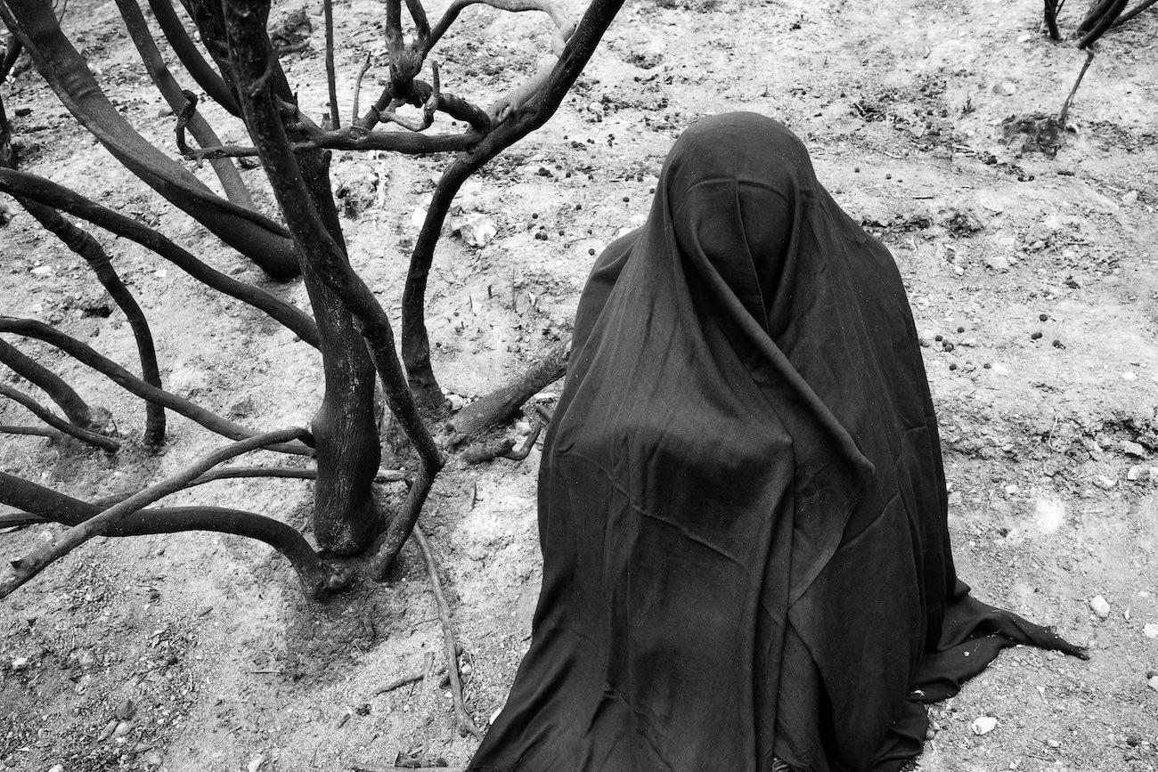 Terrabruciata di Gambino: un percorso scandito da 12 fotografie in bianco/nero