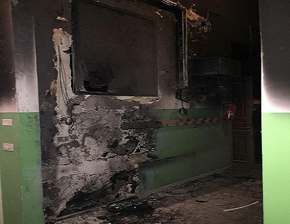 Incendio Pascoli-Crispi, niente lezioni per gli alunni dell'Infanzia. Il Codacons diffida l'Amministrazione
