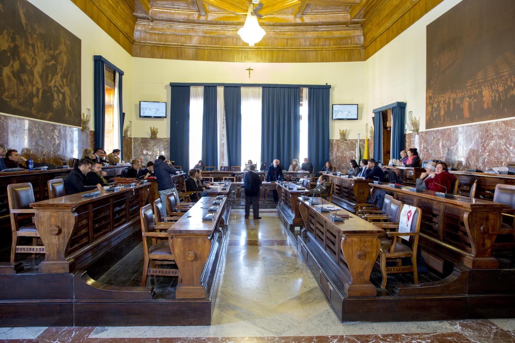 Defibrillatori nei locali pubblici, Consiglio vota atto d'indirizzo