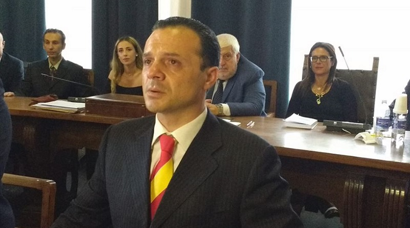 """De Luca dichiara guerra alle baracche: """"Saranno tutte abbattute  entro il 31 dicembre"""""""