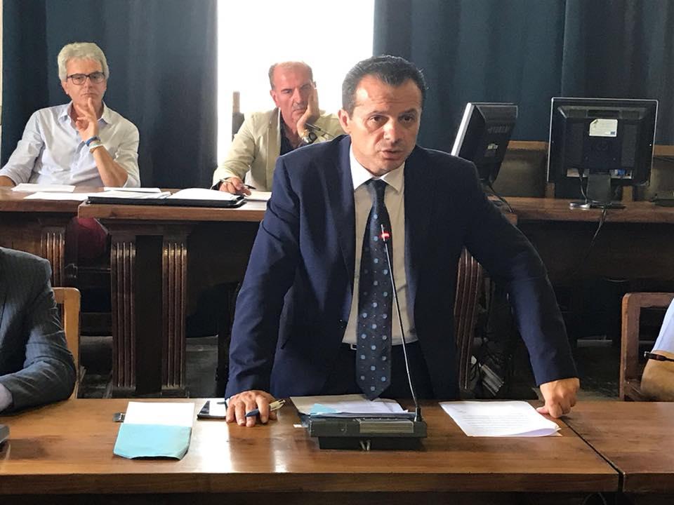 """Caos scuole, da De Luca nessun passo indietro: """"Non le riapro, pronto a far scoppiare un caso nazionale"""""""