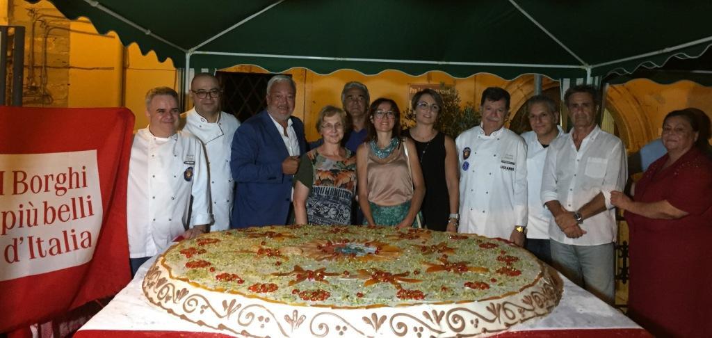 Tra arte e pasticceria a Castroreale: grande successo degli Artisti per il Sociale