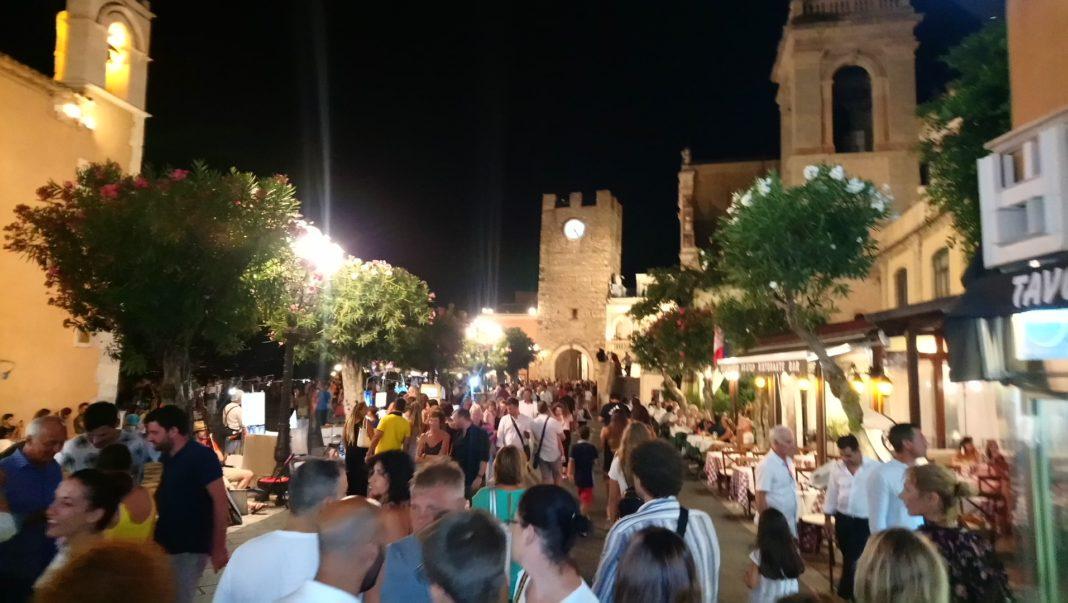 """Taormina, il sindaco Bolognari """"regolamenta"""" il commercio"""