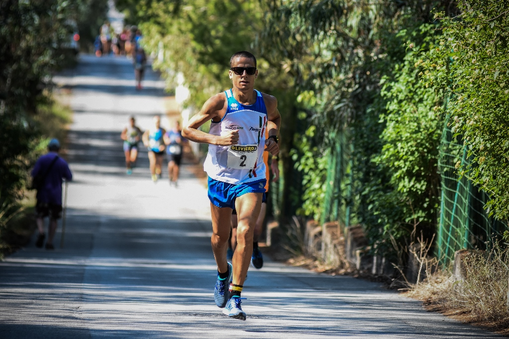 Eolie Running Tour, l'emiliano Franzese primo a Vulcano. Oggi giro a Lipari