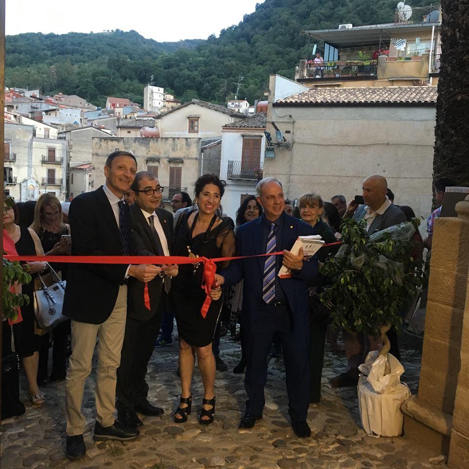 Castello Aragonese Comiso: vernissage collettivo dedicato al maestro Francesco Giombarresi