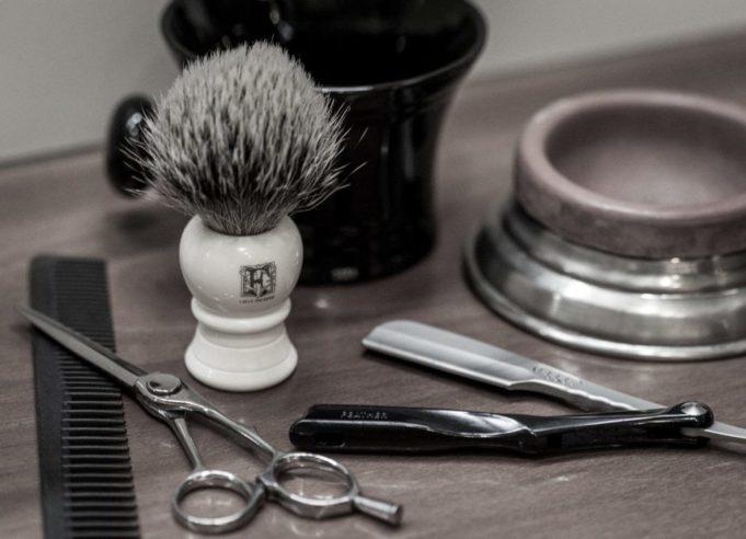Floresta: salvo il salone da barba, il Comune dà i locali in comodato