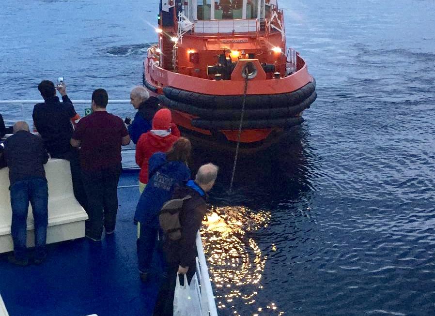 Milazzo-Eolie, traghetto in avaria. Il calvario dei passeggeri
