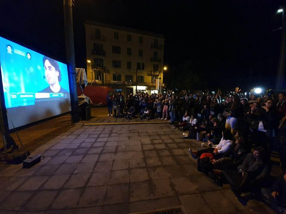 Alberto vince la finale di Amici, festa nelle piazze cittadine