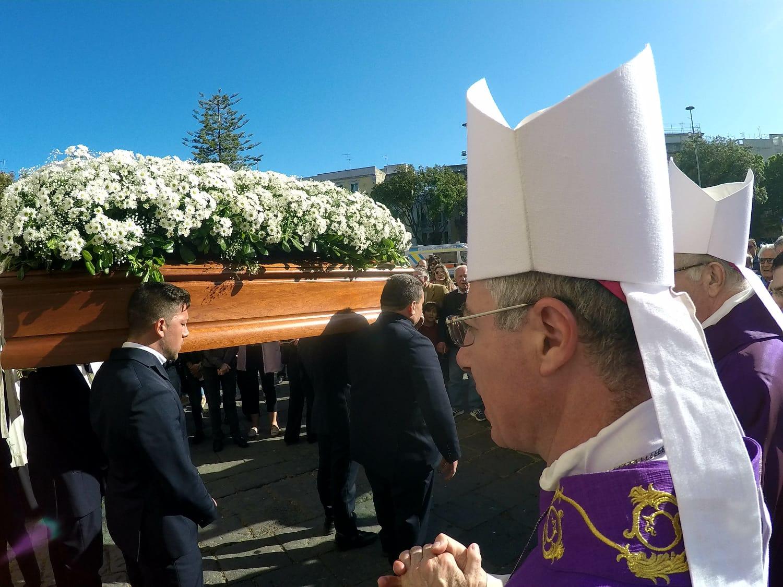 Duomo gremito per l'ultimo saluto a Margherita
