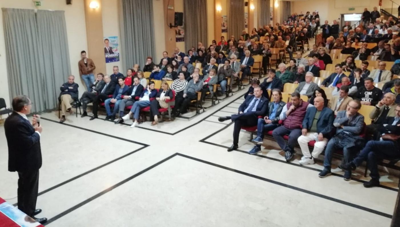 """Romano """"pesca"""" a Messina il voto dei moderati grazie all'appoggio di Cerreti e Corona"""