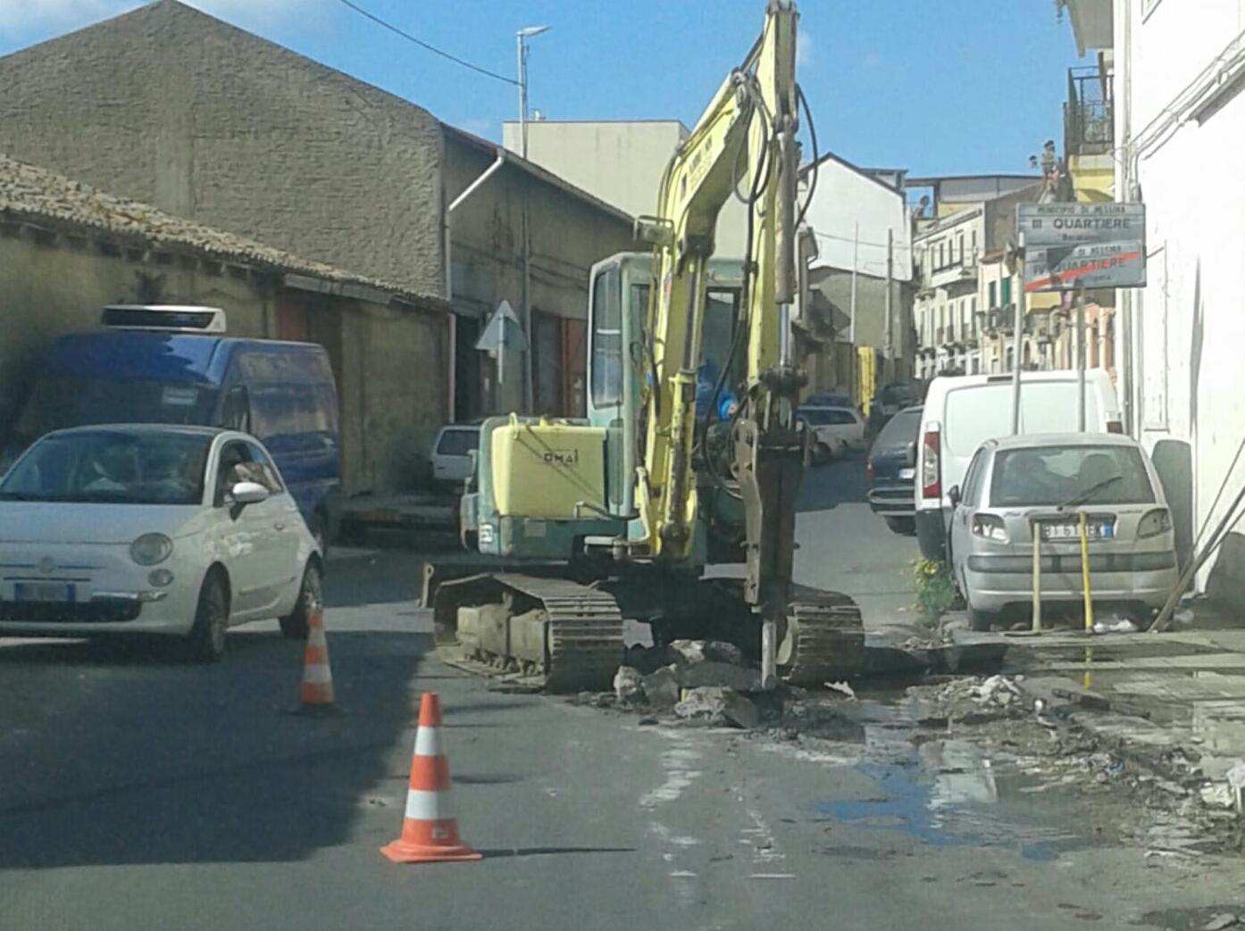Via Consolare Valeria, operai intervengono dopo nostro servizio-denuncia