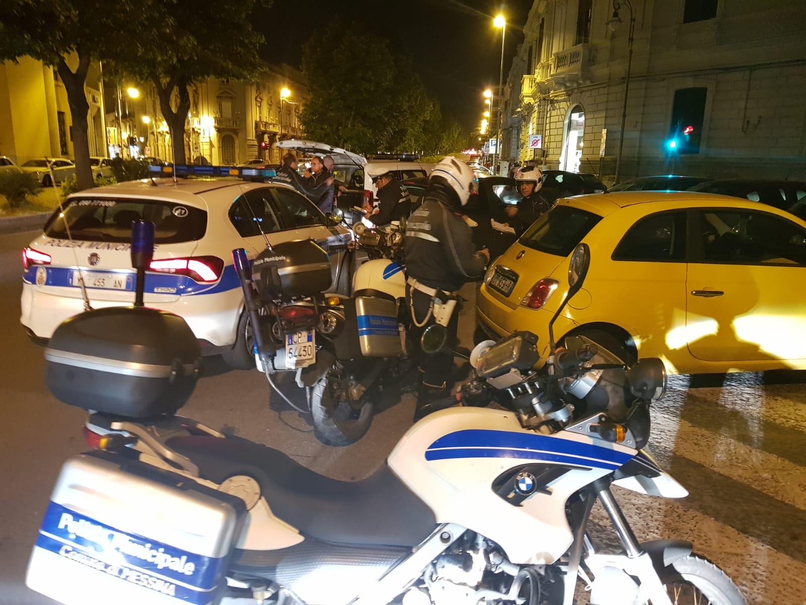 Blitz notturno dei Vigili urbani: raffica di sanzioni