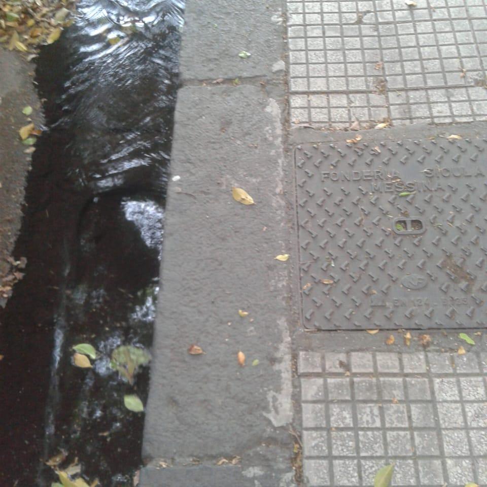 Perdita d'acqua in via Campo delle Vettovaglie