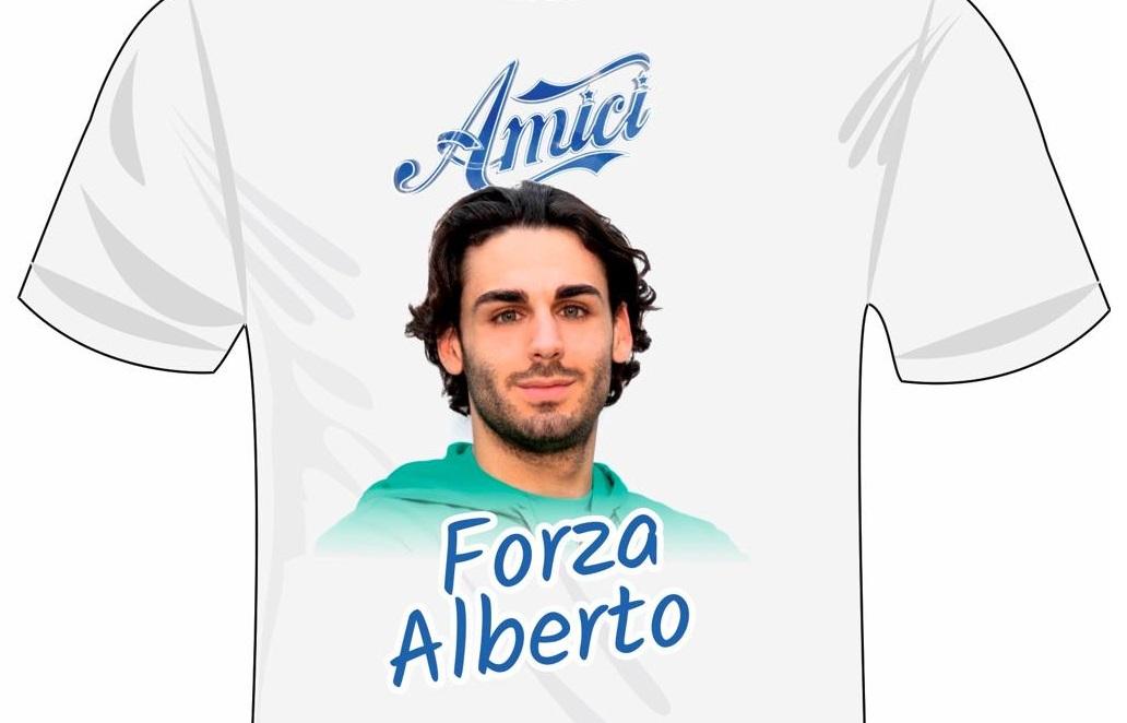 Amici, domani a Piazza Cairoli in regalo la maglia celebrativa di Alberto