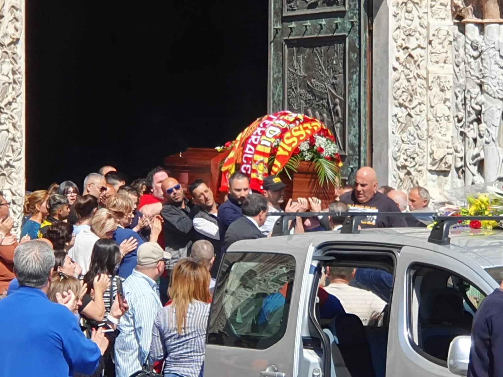 """Oggi l'ultimo saluto al capo ultras Santo """"Farinella"""""""