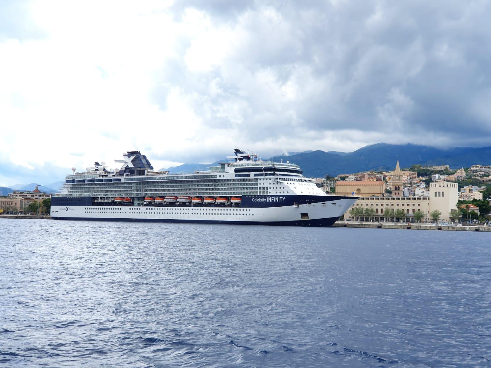 Crociere, le navi MSC tornano nel porto di Messina