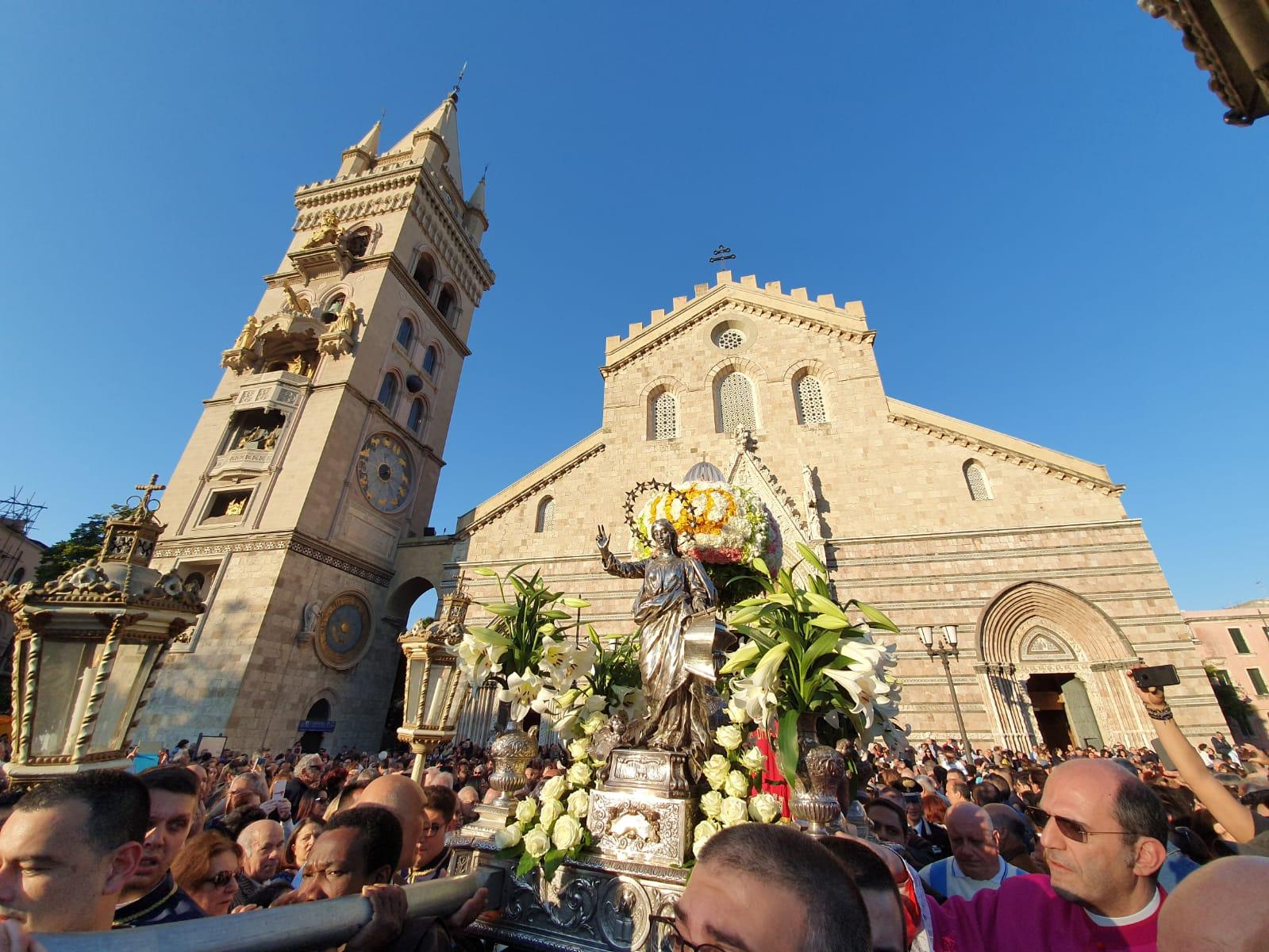Madonna della Lettera, migliaia di fedeli celebrano la Patrona