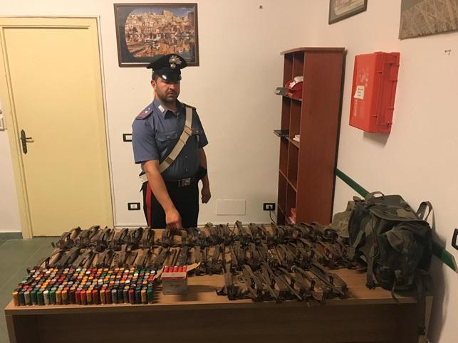 Deteneva illegalmente munizioni e trappole per animali: denunciato 33enne