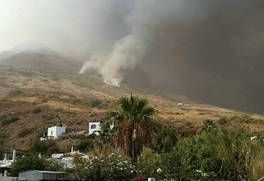 Lo Stromboli si ripete: gran boato e nuova eruzione