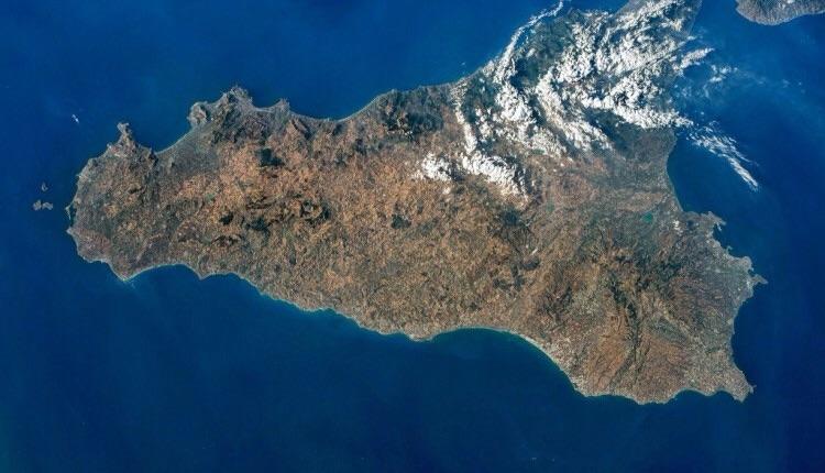 Sicilia metafora del declino. Di Pericle