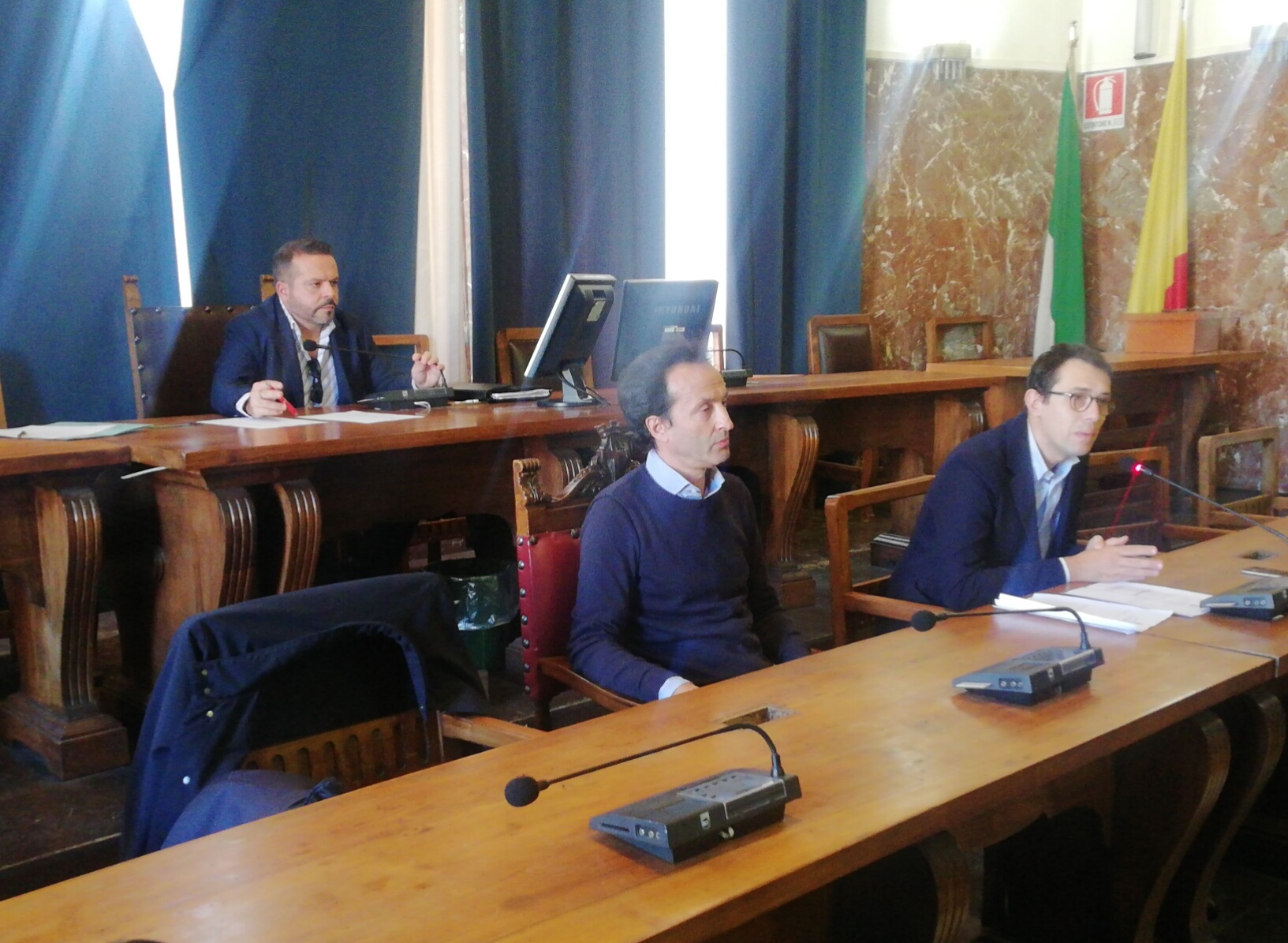 Via Cesare Battisti e Corso Cavour, si discute per reinstallare i cordoli spartitraffico