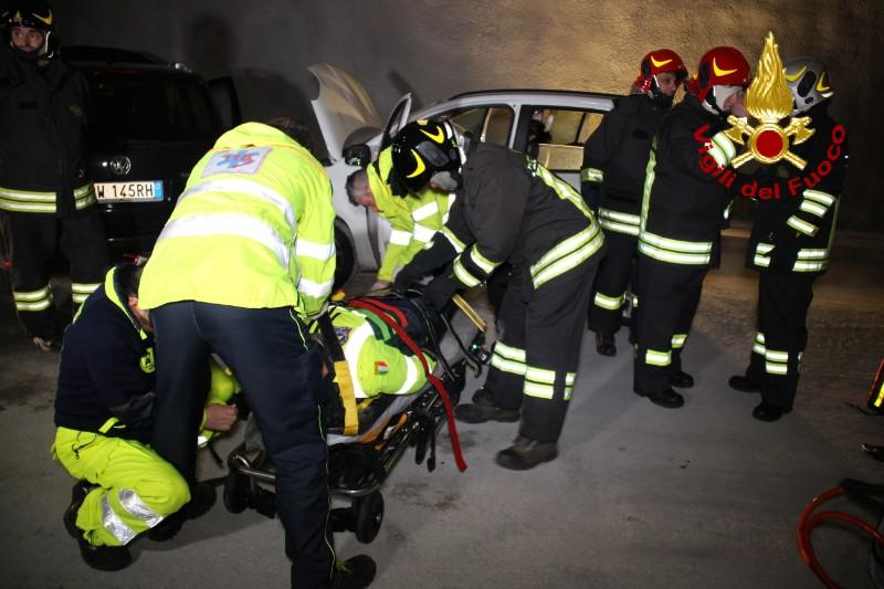 """A18, simulato incidente nella galleria """"Giardini"""""""
