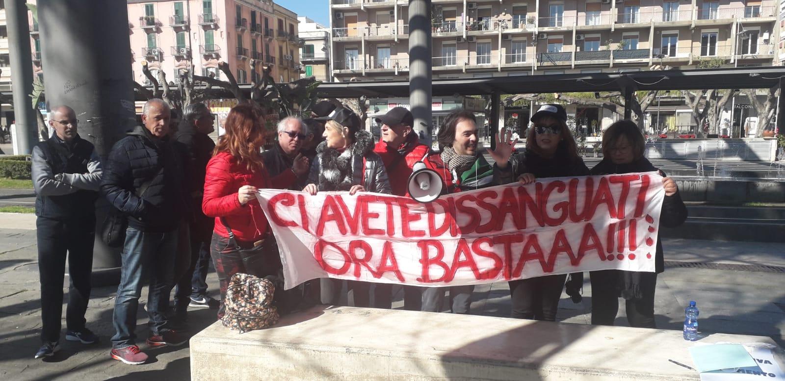"""Le """"Partite Iva"""" scendono in piazza: evento a Cairoli"""