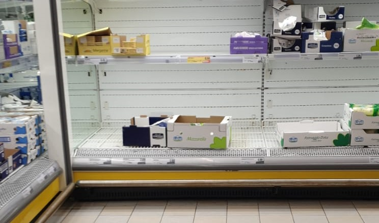 Commercianti-virus, rincari e speculazioni sui generi alimentari