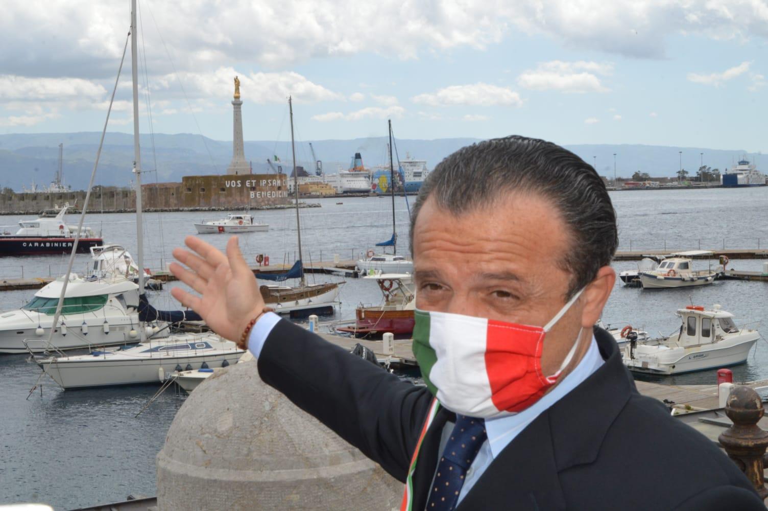 """De Luca: """"Torno in cabina di regia e rilancio Messina"""""""