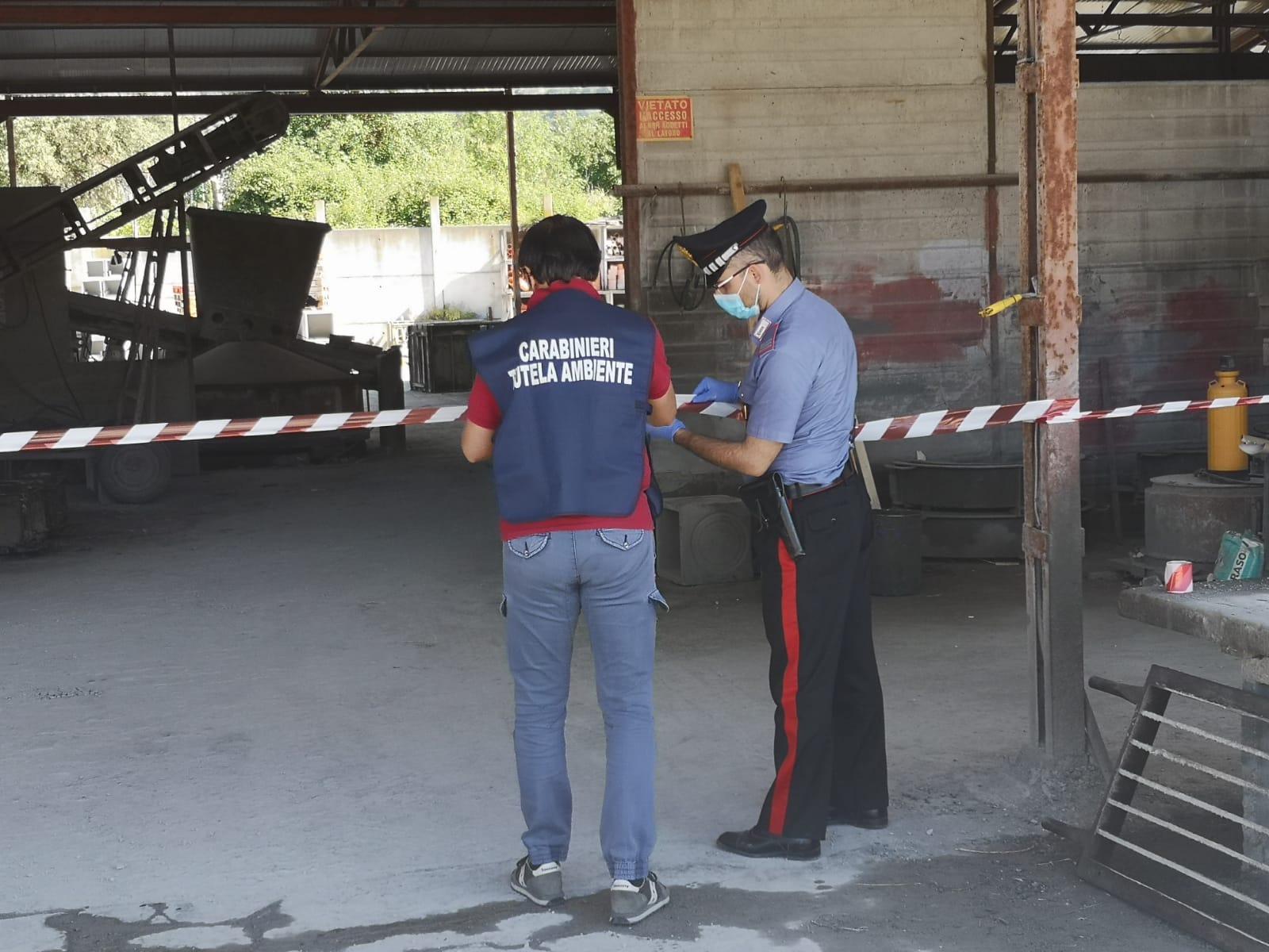 Reati ambientali, denunciati due imprenditori e sequestrati gli impianti di produzione