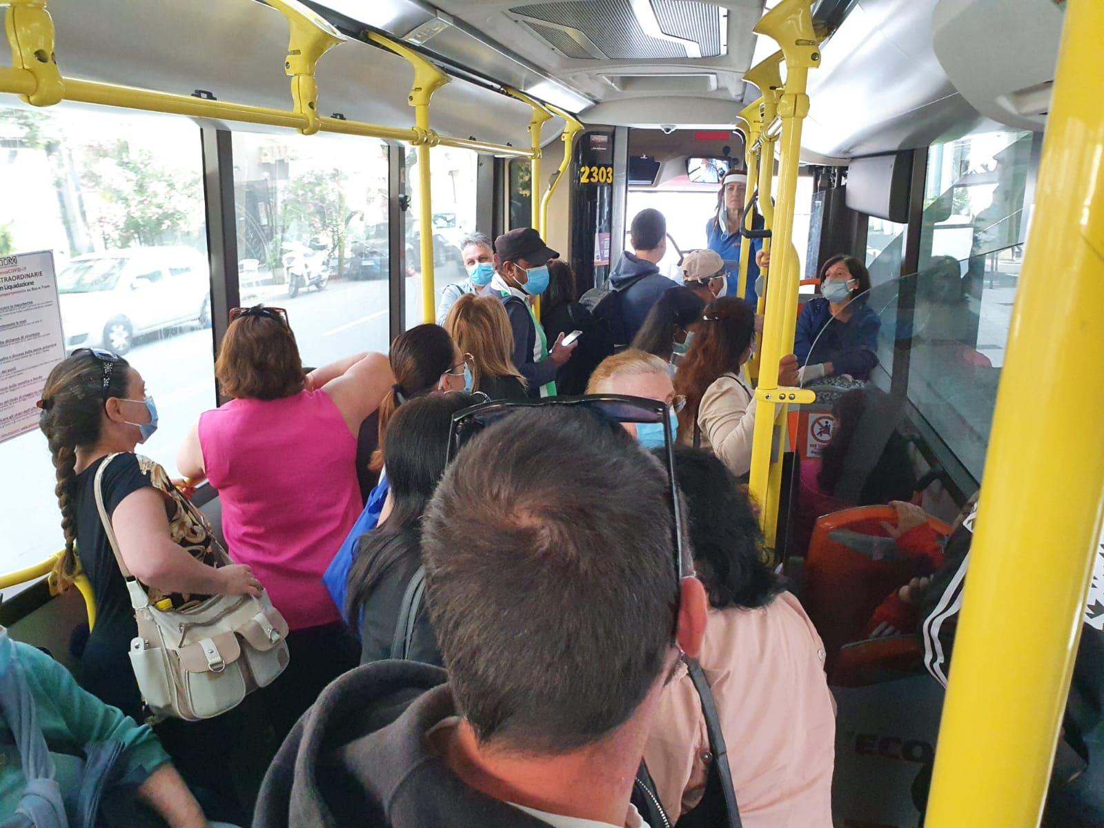 Emergenza Covid, Musumeci pensa ad una stretta sui trasporti