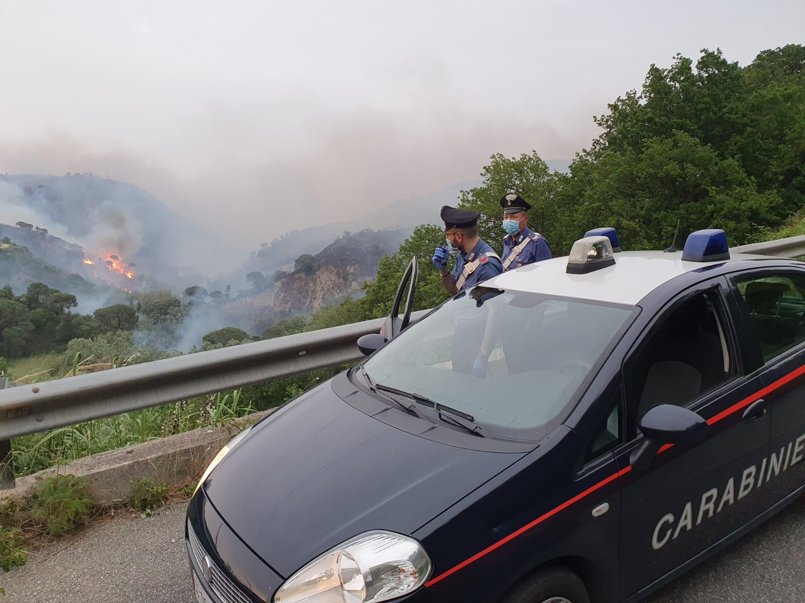 Fuoco e fiamme a Lipari