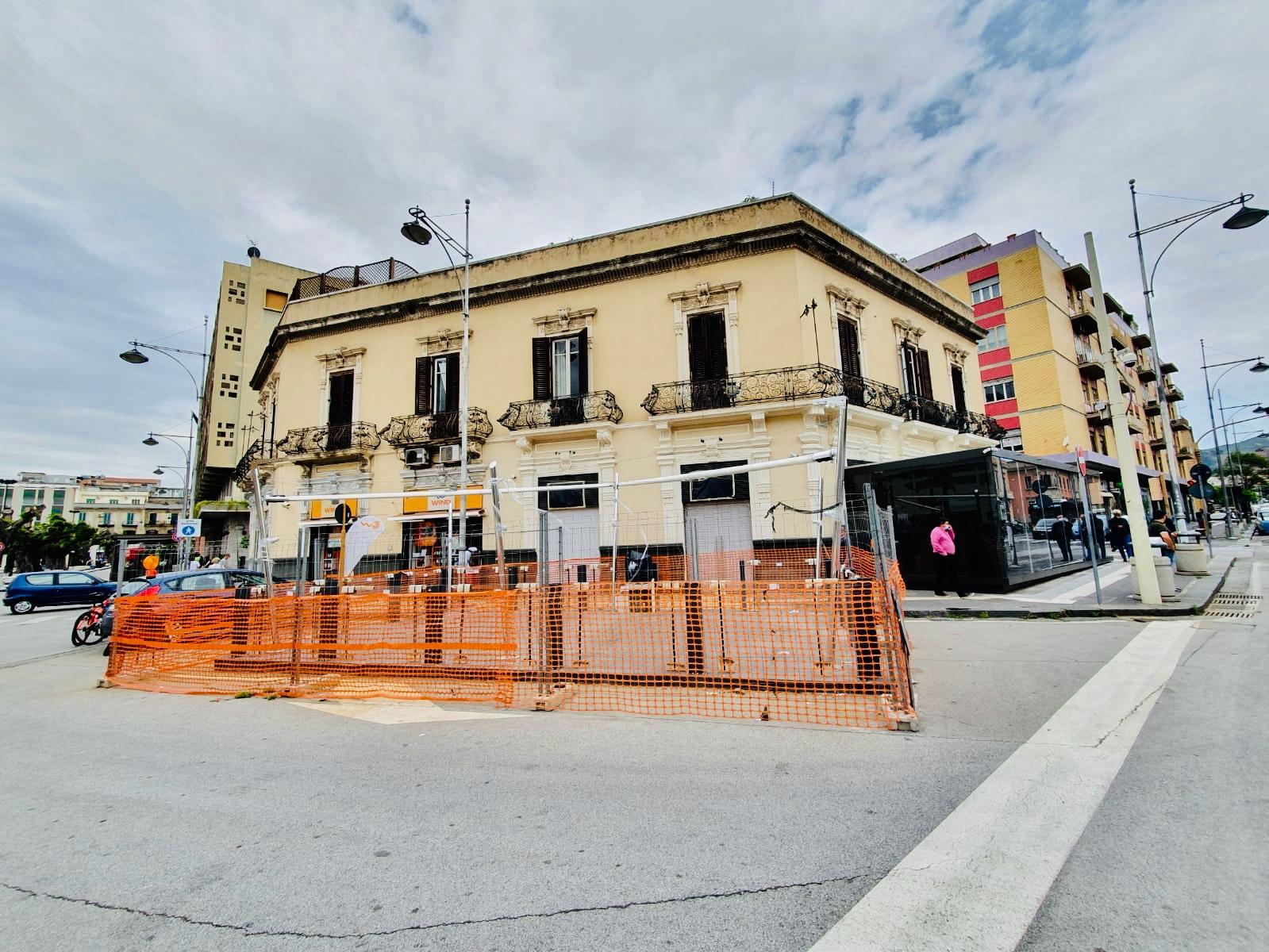 """""""Bunker"""" piazza Cairoli, visita dei vigili dell'Annona"""