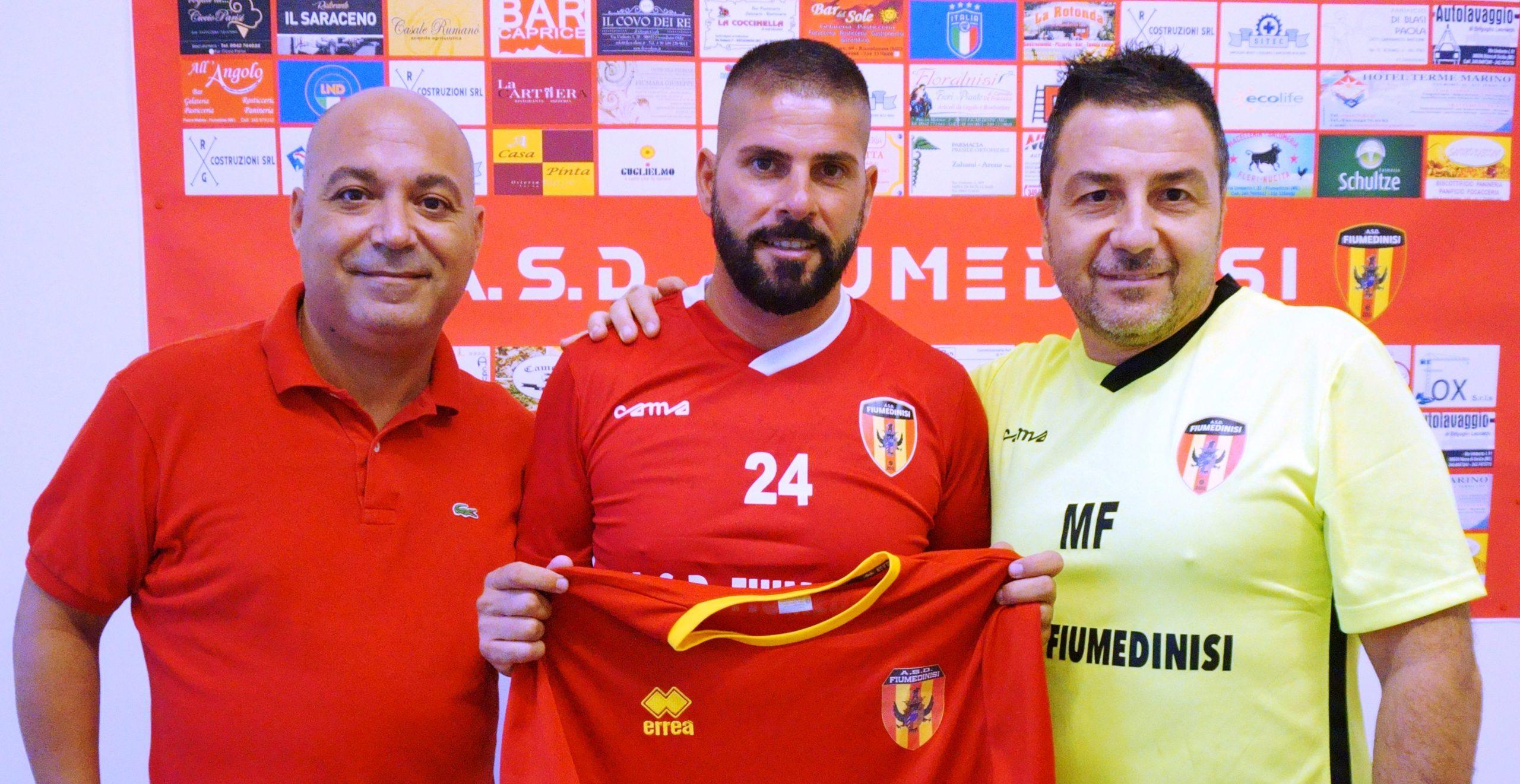 """Calcio, il Fiumedinisi si regala il """"bomber """" Davide Fugazzotto"""