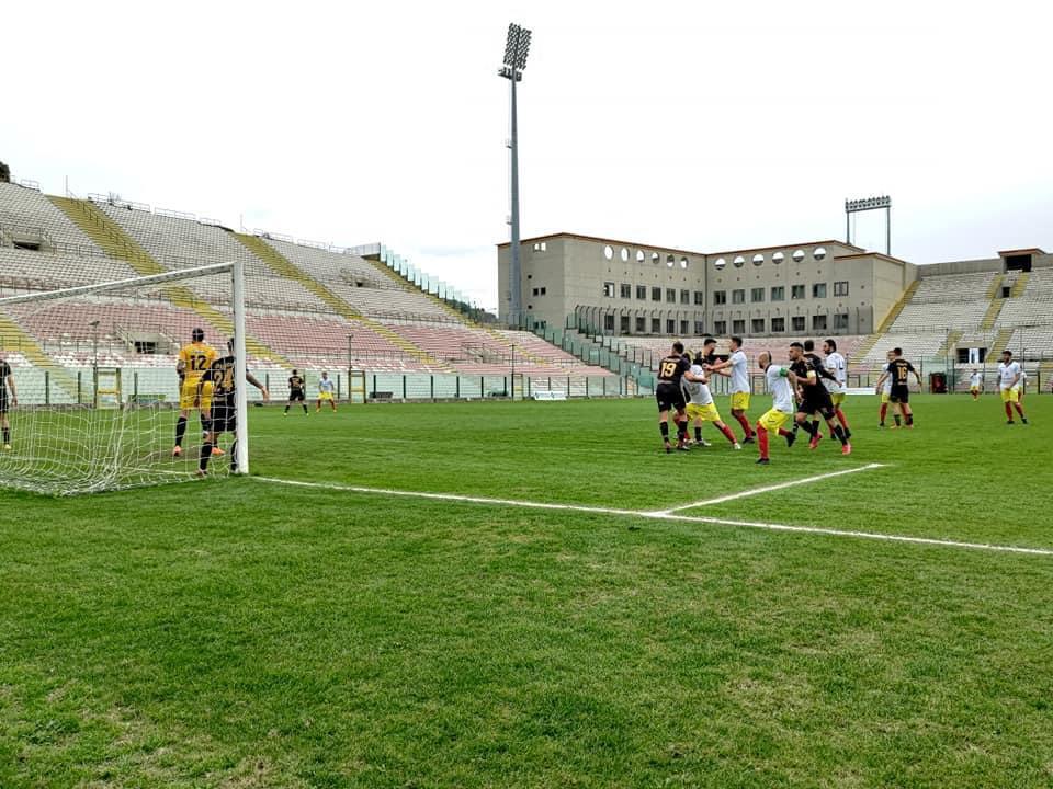 CALCIO SERIE D – Vola in vetta alla classifica l'ACR Messina che mette sotto per 2-0 il San Luca