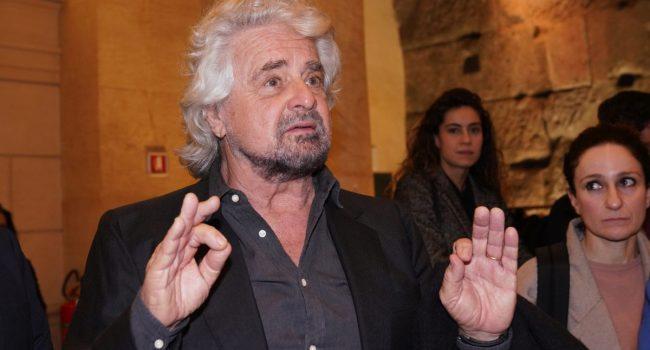"""M5S, Grillo """"Conta il peso, non il numero dei ministeri"""""""