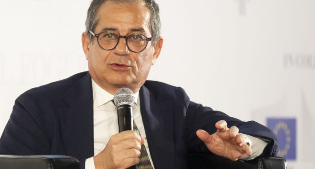 Vaccini, Giorgetti nomina Tria consulente economico