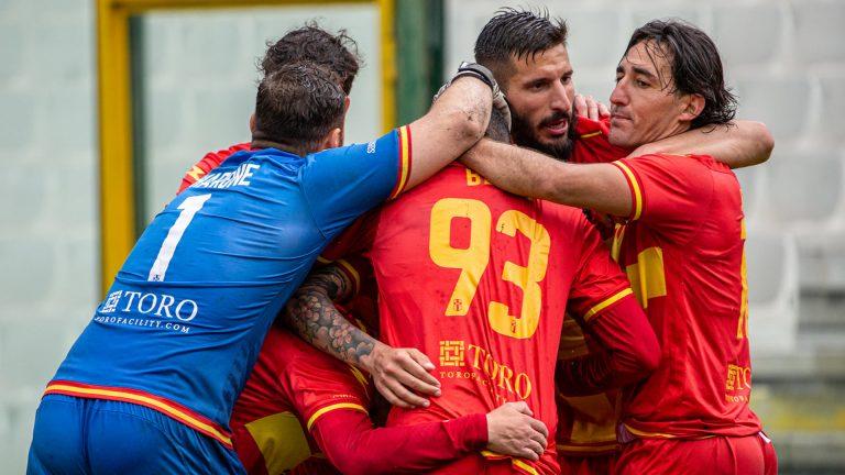 CALCIO SERIE D – Fc Messina cerca la vittoria nella trasferta di Roccella